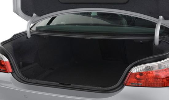 Examine the trunk